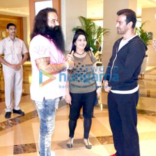Gurmeet Ram Rahim Singh Ji Insan, Honeypreet Insan, Ronit Roy