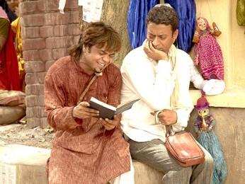 Movie Still From The Film Billu,Rajpal Yadav,Irrfan Khan