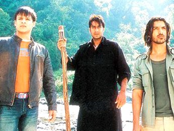 Movie Still From The Film Kaal Featuring Vivek Oberoi,Ajay Devgan,John Abraham