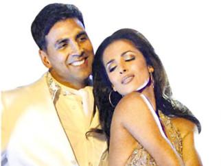 Movie Still From The Film Heyy Babyy,Akshay Kumar,Malaika Arora