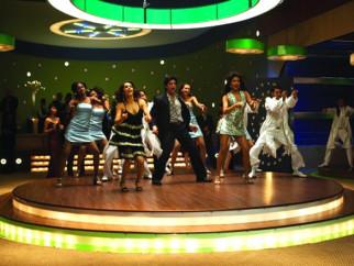 Movie Still From The Film Don - The Chase Begins Again,Eesha Koppikhar,Shahrukh Khan,Priyanka Chopra