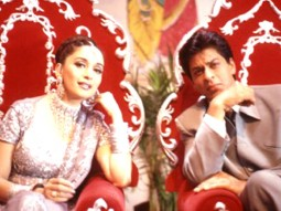 Movie Still From The Film Hum Tumhare Hain Sanam Featuring Madhuri Dixit,Shahrukh Khan