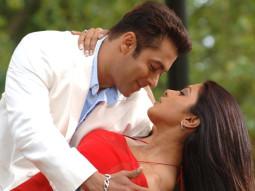 Movie Still From The Film Salaam-E-Ishq,Salman Khan,Priyanka Chopra