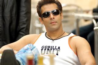 Movie Still From The Film Salaam-E-Ishq,Salman Khan