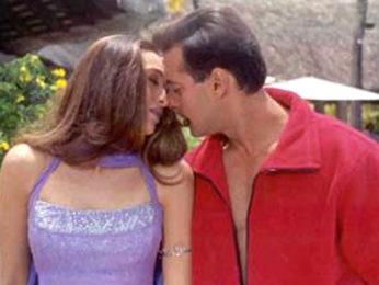 Movie Still From The Film Dulhan Hum Le Jayenge Featuring Karisma Kapoor,Salman Khan