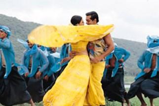 Movie Still From The Film Tumko Na Bhool Paayenge Featuring Dia Mirza,Salman Khan