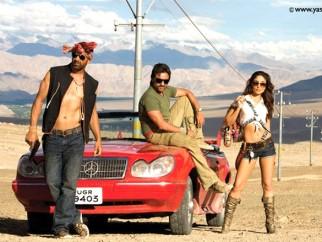 Movie Still From The Film Tashan,Akshay Kumar,Saif Ali Khan,Kareena Kapoor