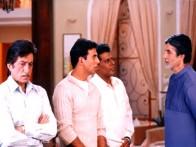 Movie Still From The Film Ek Rishtaa The Bond of Love The Bond of Love FeaturingAmitabh Bachchan,Akshay Kumar,Shakti Kapoor,Aashish Vidyarthi