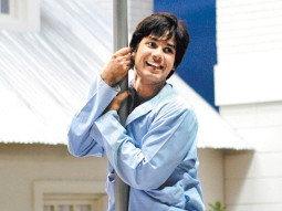 On The Sets Still From The Film Chup Chup Ke Featuring Shahid Kapoor