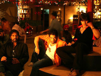 On The Sets Still From The Film Shoot Out At Lokhandwala Featuring Shabbir Ahluwalia,Tusshar Kapoor,Vivek Oberoi