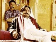 Movie Still From The Film Mumbai Se Aaya Mera Dost Featuring Yashpal Sharma