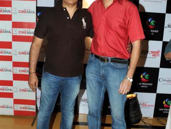 Photo Of Dabboo Malik,Pramod Joshi From The Premiere of 'Chhodo Kal Ki Baatein' & 'Kashyala Udyachi Baat'