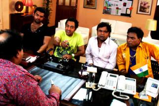 Movie Still From The Film Tukkaa Fitt,Mahaakshay Chakraborty,Rajpal Yadav,Hiten Paintal,Sunil Pal