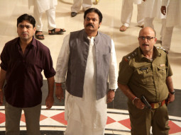 Movie Still From The Film Chakradhaar,Yashpal Sharma,Akhilendra Mishra,Pramod Moutho