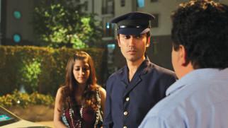 Movie Still From The Film Challo Driver,Kainaz Motivala,Vickrant Mahajan,Manoj Pahwa