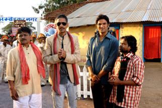 Movie Still From The Film Aalaap,Raghuveer Yadav,Vijay Raaz,Amit Purohit,Omkar Das Manikpuri