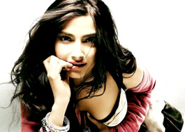 Sonam to play Rekha's role in Khoobsurat remake