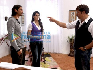 Movie Still From The Film Fox Featuring Arjun Rampal,Sagarika Ghatge,Sunny Deol