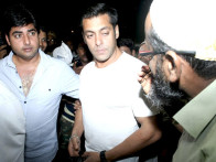 Photo Of Vikas Kapoor,Salman Khan From The Salman, Sohail and Sonakshi leave for IIFA Sri Lanka