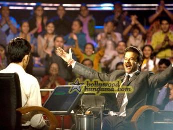 Movie still From The Film Slumdog Millionaire Featuring Dev Patel,Anil Kapoor