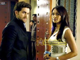 Movie Still From The Film Aa Dekhe Zara Featuring Neil Nitin Mukesh,Bipasha Basu