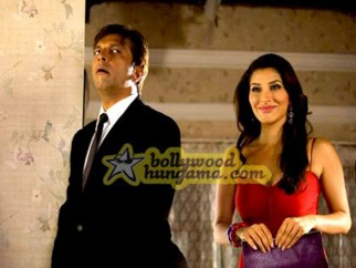 Movie Still From The Film Daddy Cool Featuring Kim Sharma,Javed Jaffrey,Sophie Chou