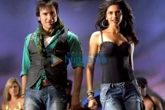 Movie Still From The Film Love Aaj Kal Featuring Saif Ali Khan,Deepika Padukone