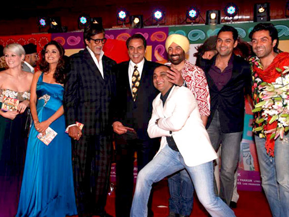 Photo Of Emma Brown,Kulraj Randhawa,Amitabh Bachchan,Dharmendra,Samir Karnik,Sunny Deol,Abhay Deol,Bobby Deol From The Audio release of 'Yamla Pagla Deewana'