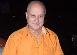 Live Chat: Anupam Kher on January 24 at 1500 hrs IST