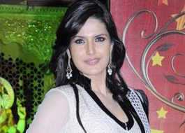 Zarine Khan does dance number in Salman Khan's Ready