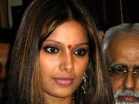 Photo Of Bipasha Basu From The Premiere Of 'Aetbaar'
