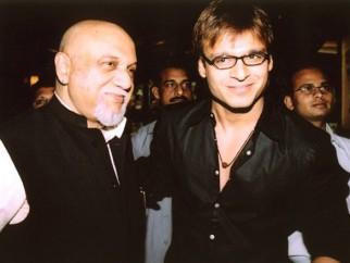Photo Of Pritish Nandy,Vivek Oberoi From The Premiere Of Ek Khiladi Ek Haseena