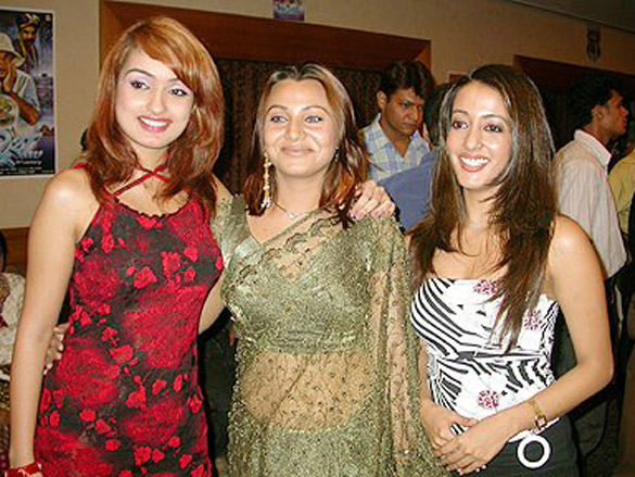 Photo Of Netanya Singh,Raima Sen From The Audio Release Of Fun2shh... - Dudes In The 10th Century