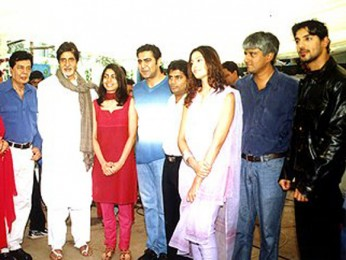 Photo Of Hrithik,Mr & Mrs Sujit Kumar,Amitabh Bachchan,Jatin Kumar,Bipasha,Vikram Bhatt,John Abraham From The Mahurat Of Aitbaar