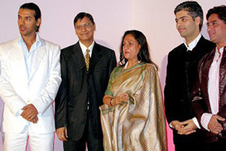 Photo Of John Abraham,Jaya Bachchan,Karan Johar,Anand Raj Anand From The Mahurat Of Viruddh