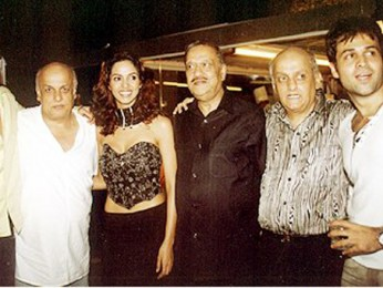 Photo Of Ashmit Patel,Mahesh Bhatt,Mallika Sherawat,Mukesh Bhatt,Emraan Hashmi From The Murder Success Celebration Party