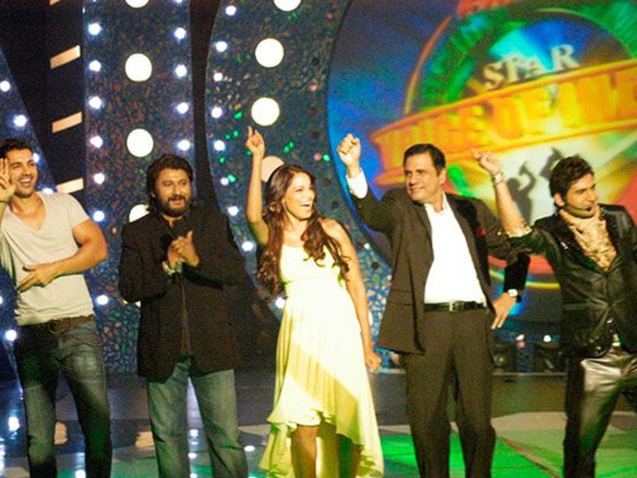 Photo Of John Abraham,Bipasha Basu,Boman Irani,Harshit From The John-Bipasha On Star Voice Of India