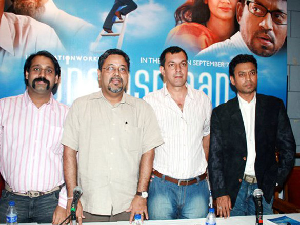 Photo Of Umang Pahwa,Kaushik Roy,Rajat Kapoor,Irrfan Khan From The Press Conference Of Apna Asmaan