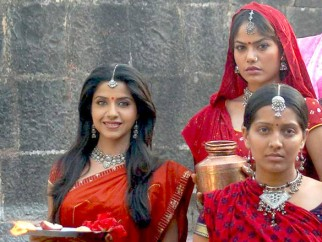Movie Still From The Film Rivaaz,Ritisha Vijayvargya,Meghna Naidu,Sadhika Randhawa