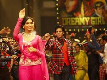 Movie Still From The Film Om Shanti Om,Deepika Padukone,Shahrukh Khan