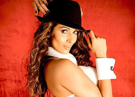 Malaika's item song 'Anarkali' from Housefull 2 set in strip club in London