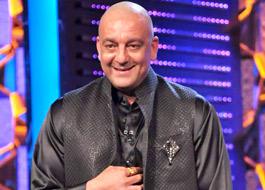 Sanjay Dutt cuts down his holiday for Bigg Boss 5