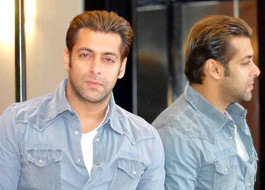 Salman Khan bonds with his Jai Ho mom