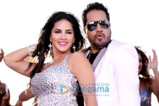 Sunny Leone, Mika Singh