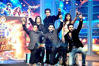 Shah Rukh Khan, Farah Khan, Sonu Sood, Abhishek Bachchan, Neeti Mohan, Shekhar Ravjiani