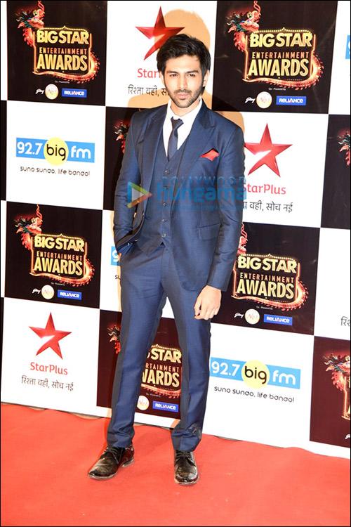 Style Check: Big Star Entertainment Award 2015