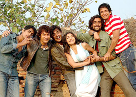 Rang De Basanti completes 10 years, Rakesyh Mehra plans grand reunion, book & documentary