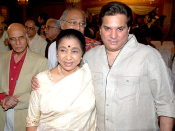 Photo Of Ustaad Shujaat Husain Khan,Khayyam,Asha Bhosle,Lalit Pandit From The Launch of Shujaat Khan and Asha Bhosle album 'Naina Lagai Ke'