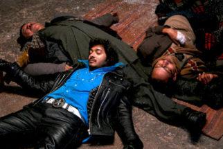 Movie Still From The Film Teen Thay Bhai,Shreyas Talpade,Om Puri