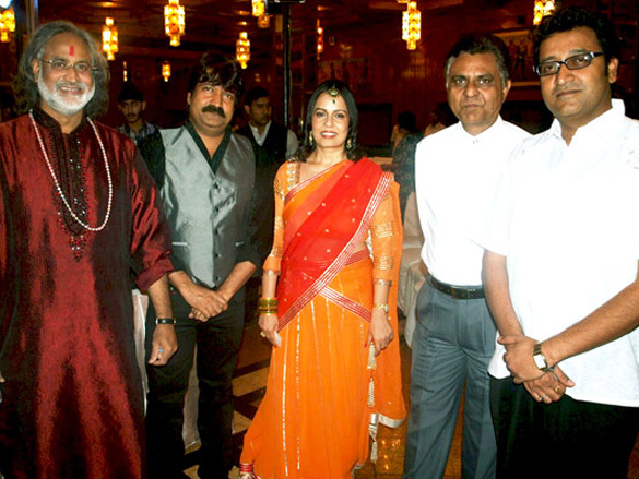 Photo Of Vishvamohan Bhatt,Ravi Pawar,Manesha Agarwal,Lalit Pawar,Tarun Pawar From The Audio release of album 'Padaro Mhare Dess...'
